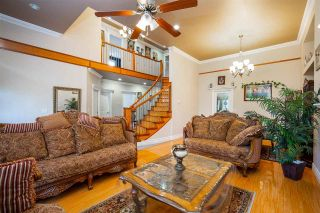 Photo 3: 27973 TRESTLE Avenue in Abbotsford: Aberdeen House for sale : MLS®# R2604493
