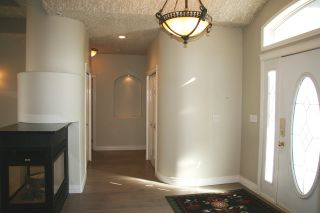 Photo 2: 939 HEACOCK Road NW in Edmonton: Zone 14 House for sale : MLS®# E4221670