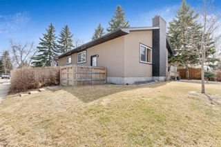 Photo 2: 91 Bennett Crescent NW in Calgary: Brentwood Detached for sale : MLS®# A1100618