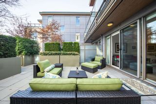 """Photo 3: 212 2128 W 40TH Avenue in Vancouver: Kerrisdale Condo for sale in """"Kerrisdale Gardens"""" (Vancouver West)  : MLS®# R2616322"""