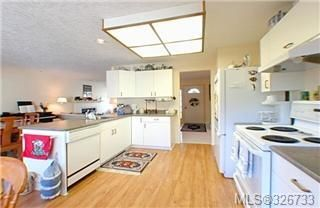 Photo 3: 674 Pine Ridge Dr in COBBLE HILL: ML Cobble Hill House for sale (Malahat & Area)  : MLS®# 326733