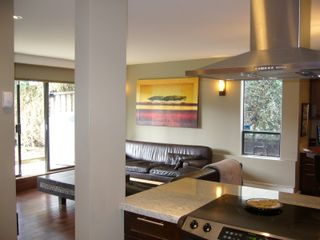 """Photo 4: 112 1424 WALNUT Street in Vancouver: Kitsilano Condo for sale in """"WALNUT PLACE"""" (Vancouver West)  : MLS®# V707285"""