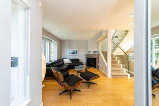 Photo 7: 1106 ST. GEORGES Avenue in North Vancouver: Central Lonsdale Townhouse for sale : MLS®# R2460985