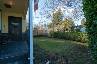 Photo 2: 15620 RUSSELL Avenue: White Rock House for sale (South Surrey White Rock)  : MLS®# R2140276
