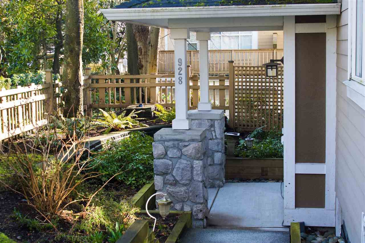 """Main Photo: 928 WESTBURY Walk in Vancouver: South Cambie Townhouse for sale in """"CHURCHILL GARDENS"""" (Vancouver West)  : MLS®# R2436730"""