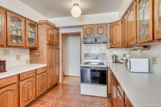 """Photo 4: 7586 KRAFT Place in Burnaby: Government Road House for sale in """"GOVERNMENT ROAD"""" (Burnaby North)  : MLS®# R2040392"""