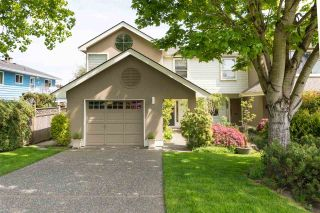 """Photo 1: 1468 STEVENS Street: White Rock Townhouse for sale in """"shaughnessy estates"""" (South Surrey White Rock)  : MLS®# R2277403"""