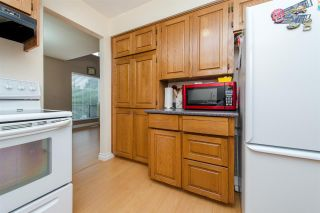 """Photo 4: 10 33951 MARSHALL Road in Abbotsford: Central Abbotsford Townhouse for sale in """"Arrowwood Village"""" : MLS®# R2319685"""