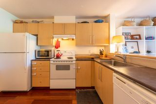 """Photo 5: 223 2768 CRANBERRY Drive in Vancouver: Kitsilano Condo for sale in """"ZYDECO"""" (Vancouver West)  : MLS®# R2595146"""