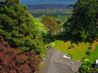 Photo 5: 8643 Lochside Dr in NORTH SAANICH: NS Bazan Bay House for sale (North Saanich)  : MLS®# 786921