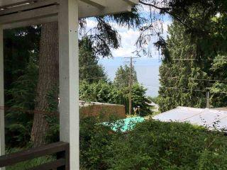 "Photo 2: 7 5294 SELMA PARK Road in Sechelt: Sechelt District Manufactured Home for sale in ""SELMA VISTA MOBILE HOME PARK"" (Sunshine Coast)  : MLS®# R2293722"