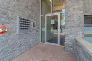 Photo 2: 302 9775 Fourth St in : Si Sidney South-East Condo for sale (Sidney)  : MLS®# 877913