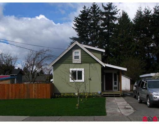 Main Photo: 9813 YOUNG Road in Chilliwack: Chilliwack N Yale-Well House for sale : MLS®# H2901488