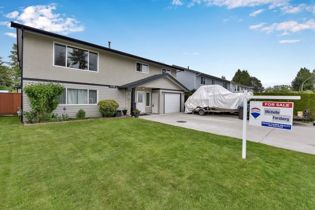 Main Photo: 1729 WARWICK AVENUE in Port Coquitlam: Central Pt Coquitlam House for sale : MLS®# R2577064