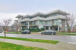 Photo 1: 307 26 E ROYAL Avenue in New Westminster: Fraserview NW Condo for sale : MLS®# R2529261