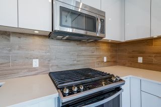 Photo 12: 801 200 NELSON'S Crescent in New Westminster: Sapperton Condo for sale : MLS®# R2606193