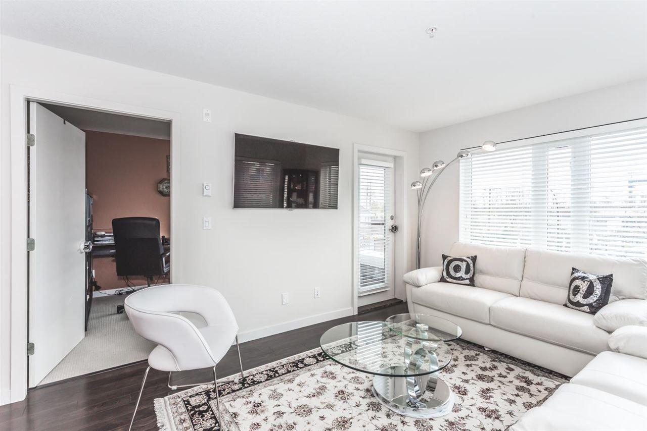 "Photo 3: Photos: 306 1673 LLOYD Avenue in North Vancouver: Pemberton NV Condo for sale in ""DISTRICT CROSSING"" : MLS®# R2046204"