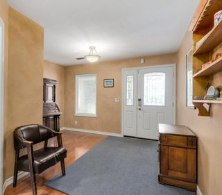Photo 2: 2933 CORD Avenue in Coquitlam: Canyon Springs House for sale : MLS®# R2114712