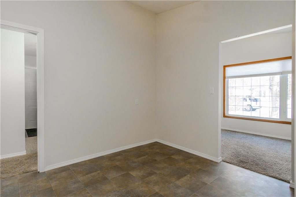 Photo 5: Photos: 114 Laurent Drive in Winnipeg: Richmond Lakes Residential for sale (1Q)  : MLS®# 202002780