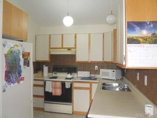 Photo 6: 9 2030 Robb Ave in COMOX: CV Comox (Town of) Row/Townhouse for sale (Comox Valley)  : MLS®# 711932
