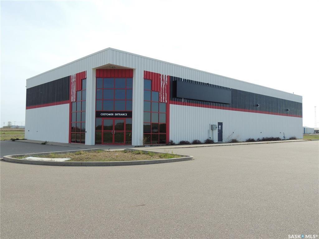 Main Photo: 516 Nesbitt Drive in Estevan: Commercial for sale : MLS®# SK800708