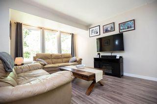 Photo 3: 206 Hindley Avenue in Winnipeg: St Vital Residential for sale (2D)  : MLS®# 202012637