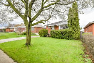 Photo 3: 128 Winchester Boulevard in Hamilton: House for sale : MLS®# H4053516