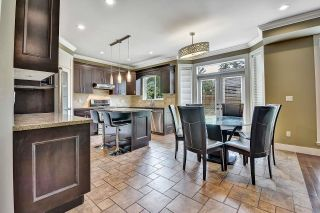 Photo 2: 7866 164A Street in Surrey: Fleetwood Tynehead House for sale : MLS®# R2608460