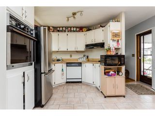 """Photo 6: 25 15875 20 Avenue in Surrey: King George Corridor Manufactured Home for sale in """"Searidge Bays"""" (South Surrey White Rock)  : MLS®# R2195866"""