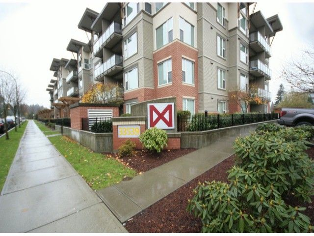 """Main Photo: 119 33539 HOLLAND Avenue in Abbotsford: Central Abbotsford Condo for sale in """"The Crossing"""" : MLS®# F1427624"""