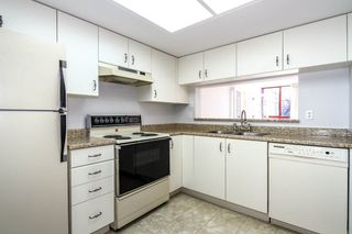 """Photo 9: 804 220 ELEVENTH Street in New Westminster: Uptown NW Condo for sale in """"QUEENS COVE"""" : MLS®# R2050568"""