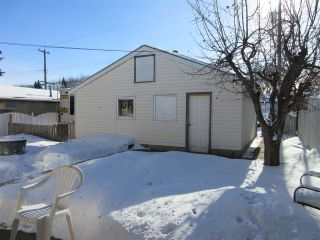 Photo 2: 9739 66 Avenue NW in Edmonton: Zone 17 House for sale : MLS®# E4228890