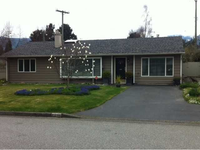 """Main Photo: 1296 PINEWOOD CR in North Vancouver: Norgate House for sale in """"NORGATE"""" : MLS®# V987658"""
