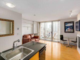 """Photo 1: 707 1225 RICHARDS Street in Vancouver: Downtown VW Condo for sale in """"THE EDEN"""" (Vancouver West)  : MLS®# V1112372"""