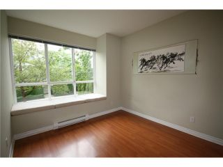 "Photo 8: 6711 VILLAGE Grove in Burnaby: Highgate Townhouse for sale in ""MONTEREY"" (Burnaby South)  : MLS®# V849378"
