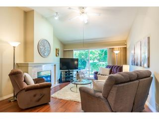 """Photo 4: 106 19649 53 Avenue in Langley: Langley City Townhouse for sale in """"Huntsfield Green"""" : MLS®# R2595915"""