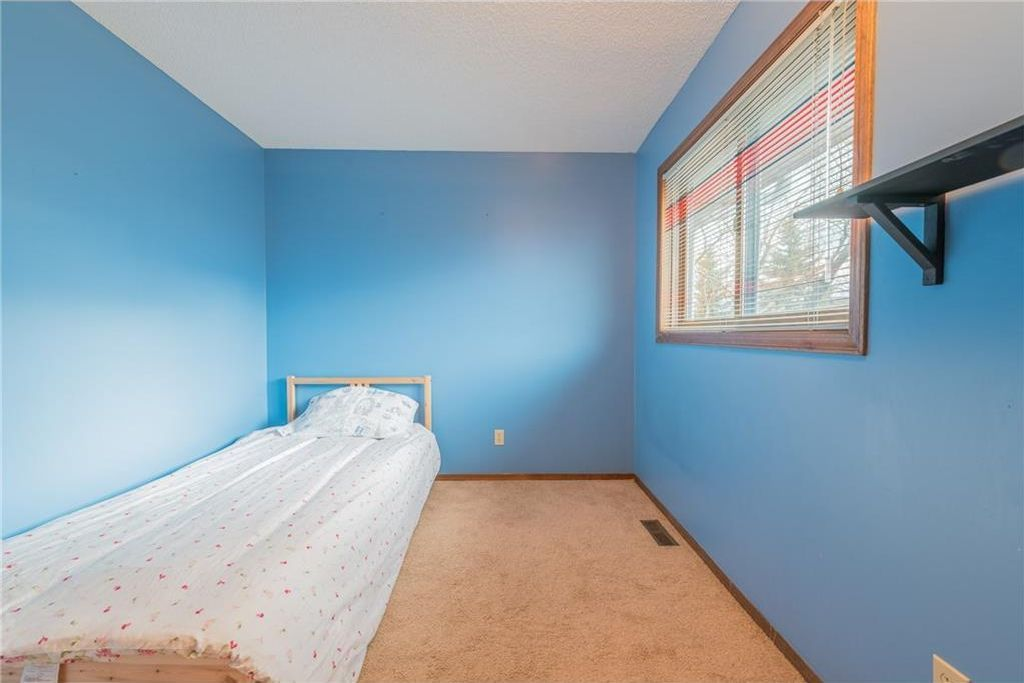 Photo 17: Photos: 25 Shannon Green SW in Calgary: Shawnessy House for sale : MLS®# C4140959