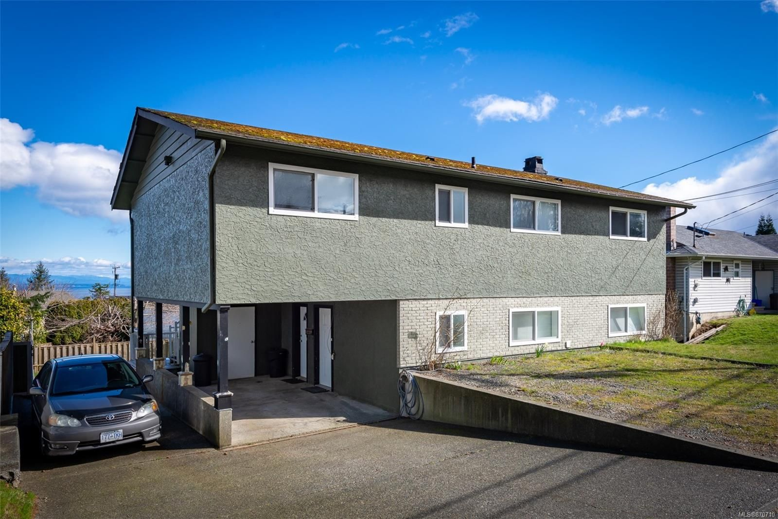 Main Photo: 921 S Alder St in : CR Campbell River Central House for sale (Campbell River)  : MLS®# 870710