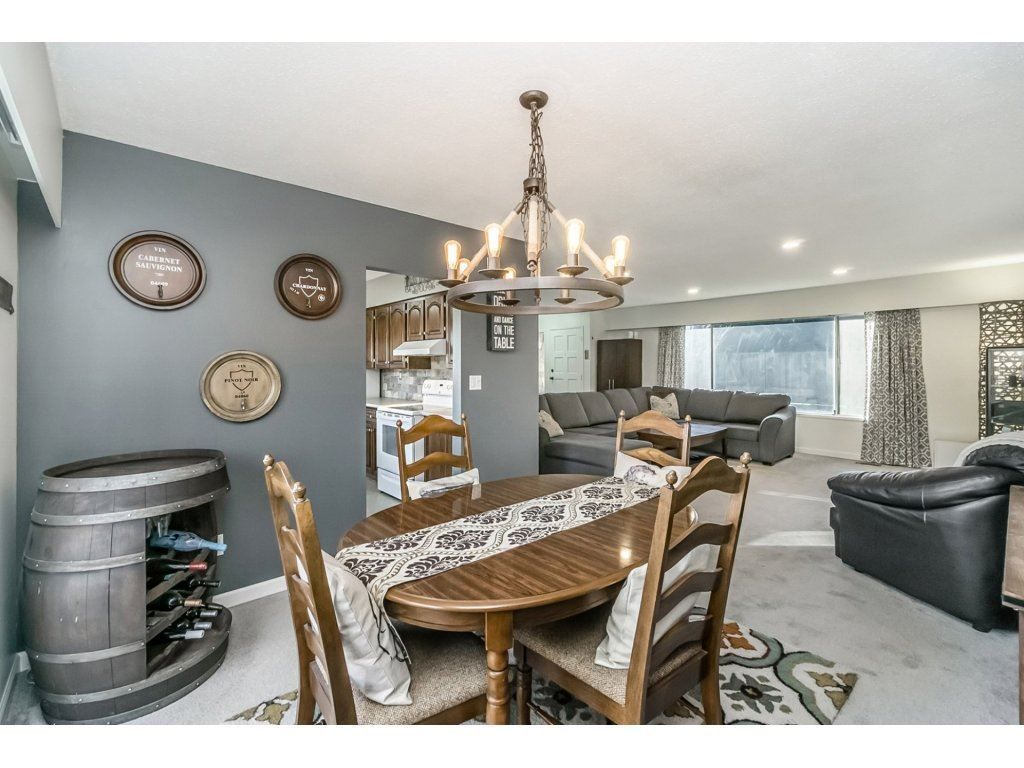 Photo 7: Photos: 6474 196 Street in Langley: Willoughby Heights House for sale : MLS®# R2239174