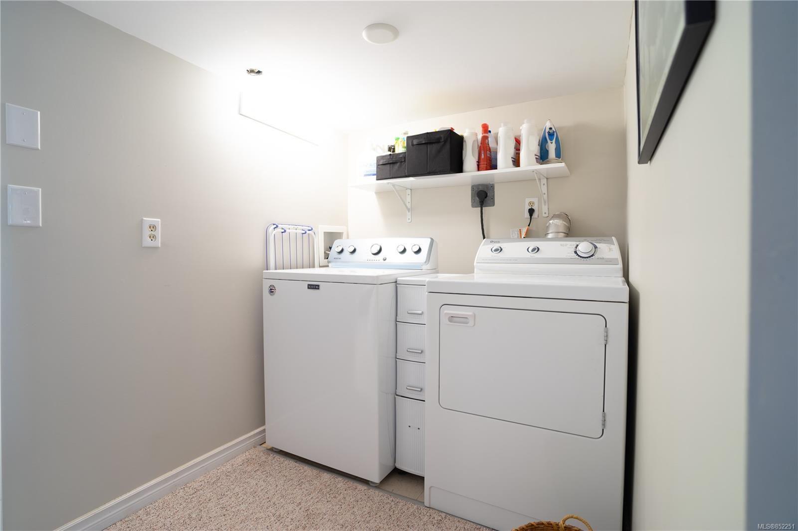 Photo 26: Photos: 2363 Pacific Ave in : OB Estevan House for sale (Oak Bay)  : MLS®# 852251