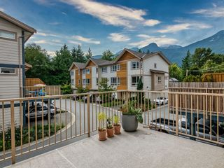 """Photo 9: 48 1188 WILSON Crescent in Squamish: Dentville Townhouse for sale in """"The Current"""" : MLS®# R2617887"""
