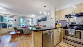 """Photo 4: 3268 HEATHER Street in Vancouver: Cambie Townhouse for sale in """"Heatherstone"""" (Vancouver West)  : MLS®# R2625266"""