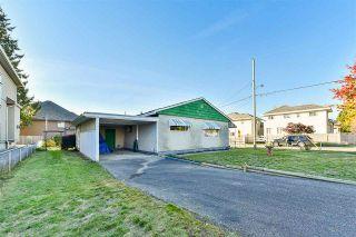 "Photo 3: 6245 126 Street in Surrey: Panorama Ridge House for sale in ""Panorama"" : MLS®# R2422606"