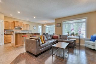 Photo 4: 184 EVEROAK Close SW in Calgary: Evergreen Detached for sale : MLS®# A1025085