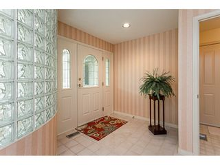 "Photo 3: 18 4001 OLD CLAYBURN Road in Abbotsford: Abbotsford East Townhouse for sale in ""Cedar Springs"" : MLS®# R2469026"