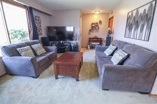 Photo 5: 624 Munroe Avenue in Winnipeg: Morse Place Residential for sale (3B)  : MLS®# 202111662