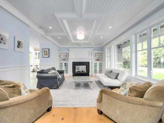 Photo 3: 1519 FARRELL Crescent in Delta: Beach Grove House for sale (Tsawwassen)  : MLS®# R2578933