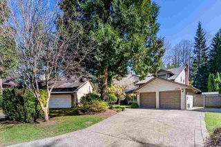"""Photo 3: 13278 19A Avenue in Surrey: Crescent Bch Ocean Pk. House for sale in """"Amble Greene"""" (South Surrey White Rock)  : MLS®# R2567560"""