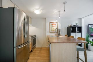 """Photo 3: 518 22 E CORDOVA Street in Vancouver: Downtown VE Condo for sale in """"Van Horne"""" (Vancouver East)  : MLS®# R2600370"""