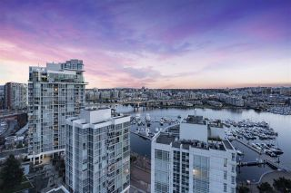 Photo 5: 2207 198 AQUARIUS MEWS in Vancouver: Yaletown Condo for sale (Vancouver West)  : MLS®# R2341515